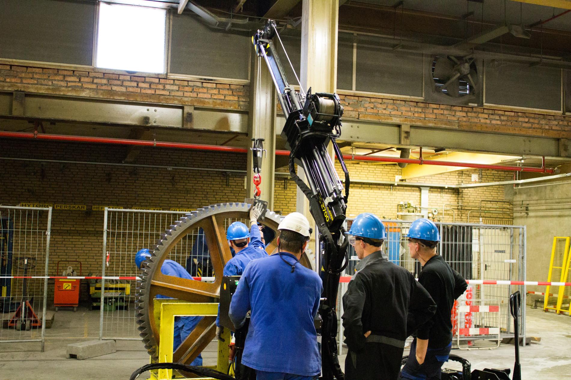 KWINT levert hydraulische kraan aan DSM Emmen Zeker van