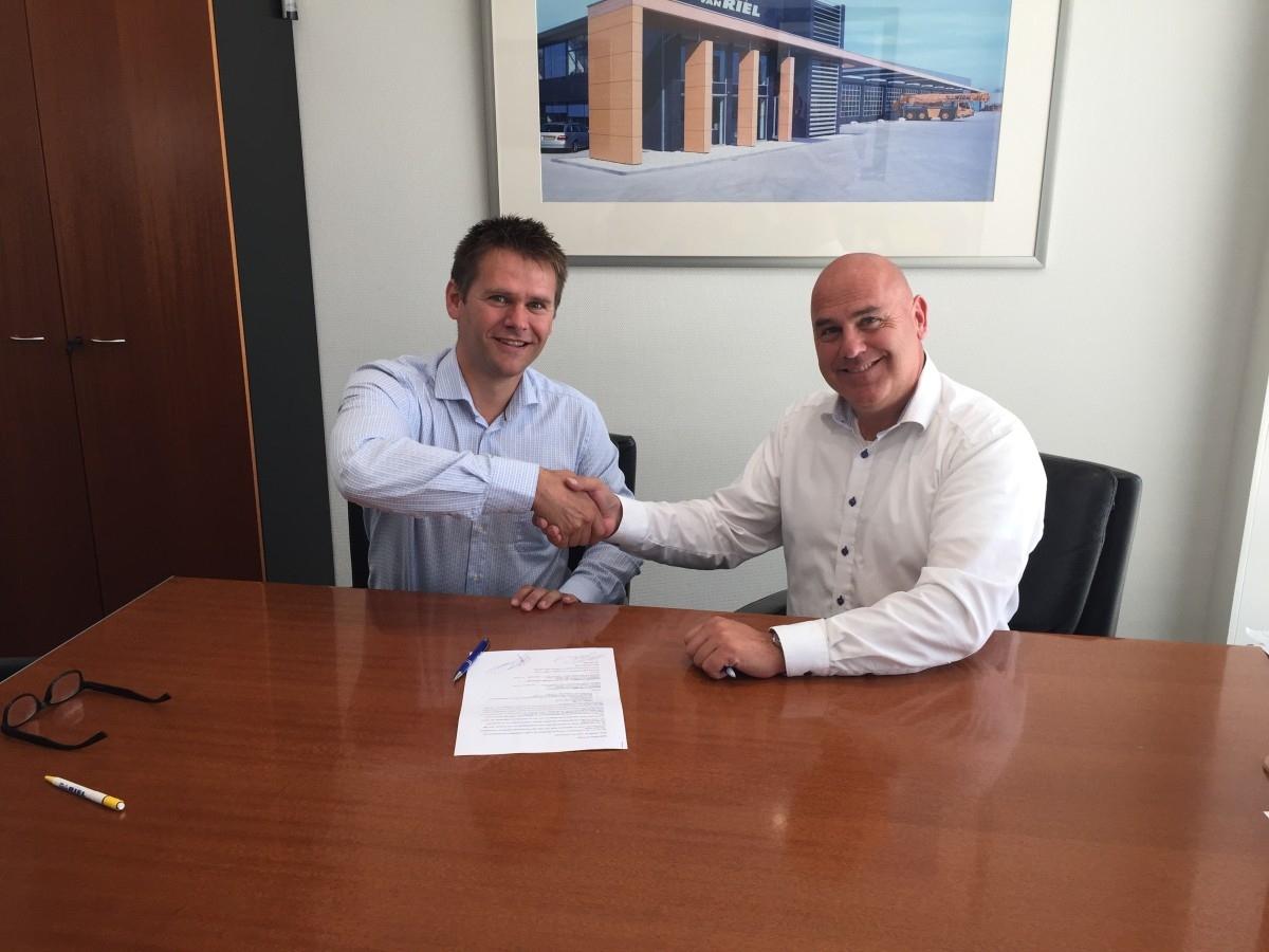 Ondertekening Kwint - Van Riel